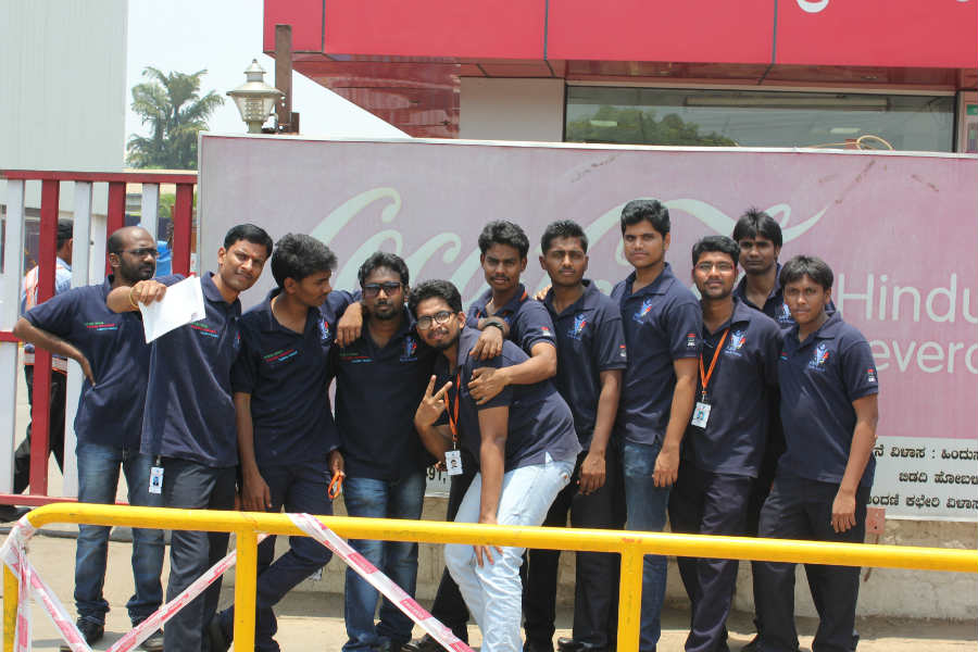 students-at-cocacola-plant